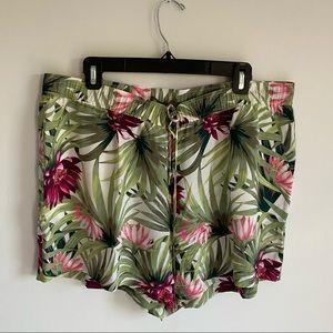 NWT 100% silk tropical print shorts